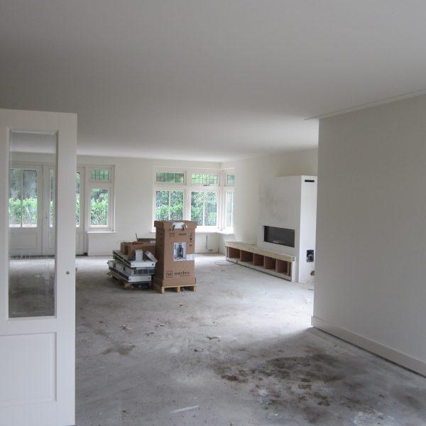 Latex spuiten van wanden en plafonds afgerond nieuwbouwproject in 's-Hertogenbosch.