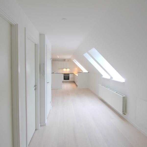 Latex spuiten van wanden en plafonds in Lage Zwaluwe in de kleurtint wit.