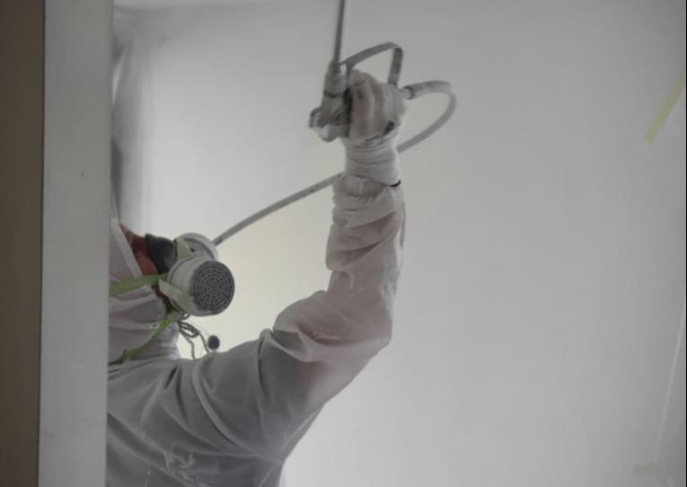Latex spuiten van wanden en plafond in Noord Brabant, Utrecht, Gelderland, Limburg, Noord-Holland en Zuid-Holland.