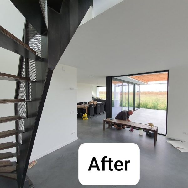 Latex spuiten in ral9016 van wanden en plafond in Oosterhout.