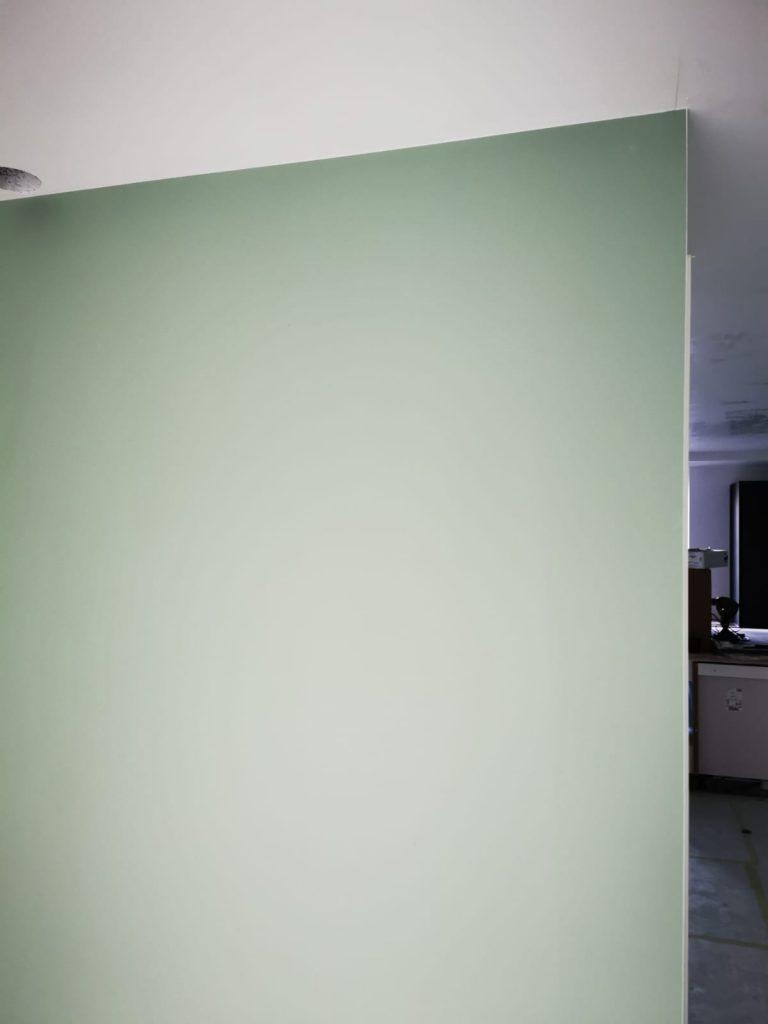 Afgerond project in Rhenen wanden en plafonds latex spuiten..